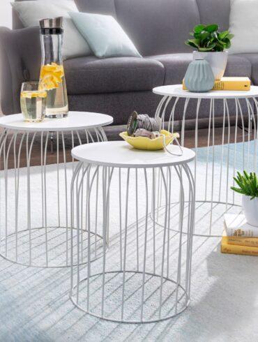 Trio de tables modernes blanches avec plateaux amovibles